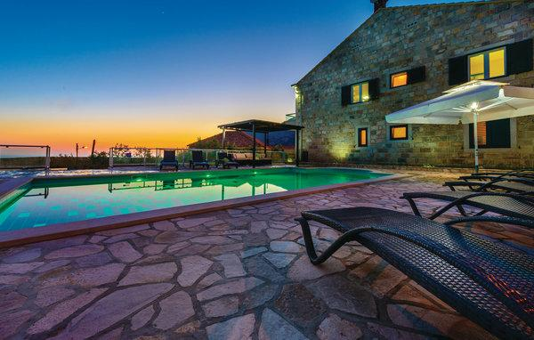 6 bedroom Villa in Dubrovnik-Dubravka, Dubrovnik Riviera, Croatia : ref 2219092 - Image 1 - Dubravka - rentals