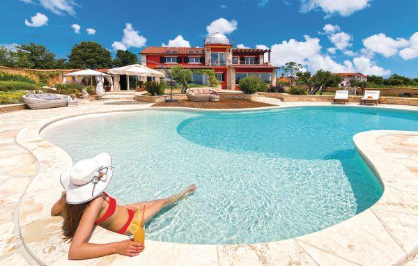 5 bedroom Villa in Pula-Valtura, Pula, Croatia : ref 2219205 - Image 1 - Valtura - rentals
