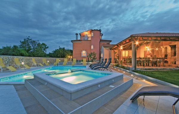 7 bedroom Villa in Pula-Sisan, Pula, Croatia : ref 2219441 - Image 1 - Liznjan - rentals