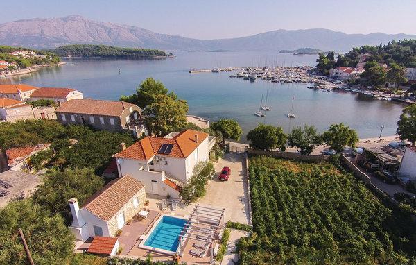 4 bedroom Villa in Korcula-Lumbarda, Island Of Korcula, Croatia : ref 2219645 - Image 1 - Lumbarda - rentals
