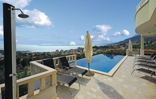 6 bedroom Villa in Makarska, Croatia : ref 2219724 - Image 1 - Bratus - rentals