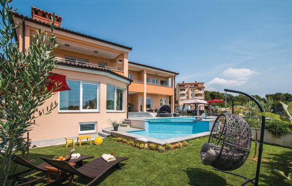 5 bedroom Villa in Pula, Croatia : ref 2219754 - Image 1 - Pula - rentals