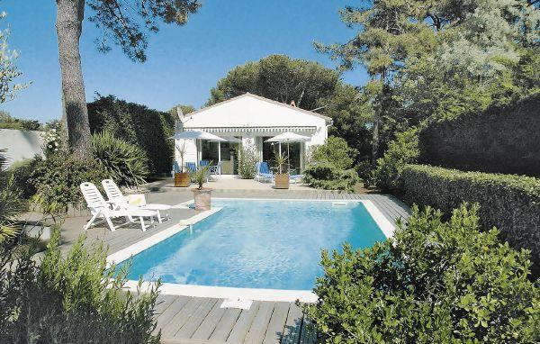 3 bedroom Villa in Ste Marie de Re/Ile de Re, Charente Maritime, France : ref 2220204 - Image 1 - Le Bois-Plage-en-Re - rentals