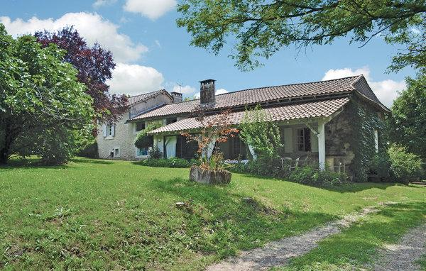 6 bedroom Villa in Montagrier, Dordogne, France : ref 2220765 - Image 1 - Grand Brassac - rentals