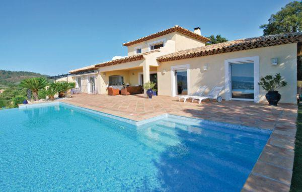 4 bedroom Villa in Sainte Maxime, Var, France : ref 2220778 - Image 1 - Saint-Maxime - rentals