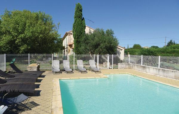 5 bedroom Villa in Moules, Bouches Du Rhone, France : ref 2221332 - Image 1 - Raphele-les-Arles - rentals