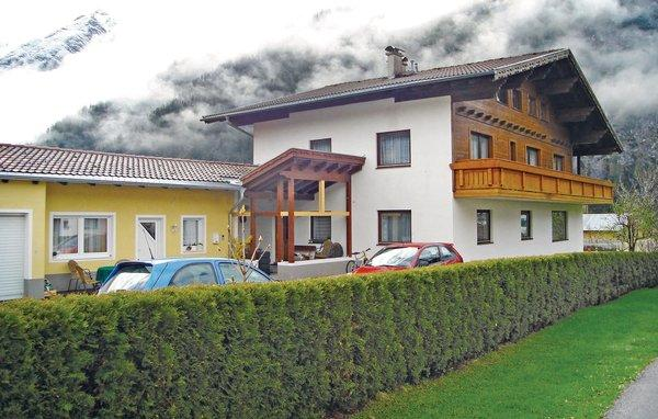 8 bedroom Apartment in Holzgau/Lechtal, Tirol, Austria : ref 2224957 - Image 1 - Holzgau - rentals