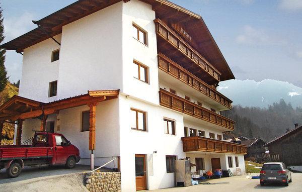 8 bedroom Villa in Wildschonau, Tirol, Austria : ref 2225273 - Image 1 - Muhlthal - rentals