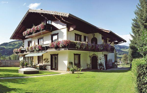 4 bedroom Apartment in Wagrain, Salzburg Region, Austria : ref 2225546 - Image 1 - Wagrain - rentals