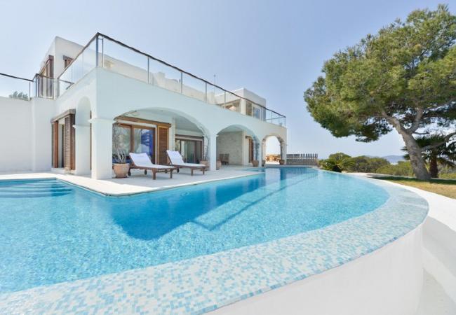 6 bedroom Villa in Santa Eulalia Des Riu, Ibiza : ref 2226537 - Image 1 - Cala Lenya - rentals