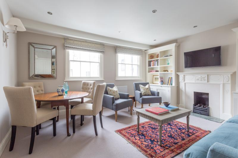 One Fine Stay - Rutland Gate III apartment - Image 1 - London - rentals