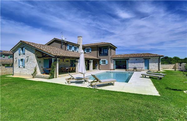 4 bedroom Villa in Jursici, Istria, Croatia : ref 2233240 - Image 1 - Jursici - rentals