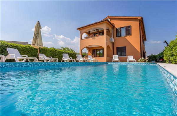 8 bedroom Villa in Sisan, Istria, Croatia : ref 2233645 - Image 1 - Liznjan - rentals