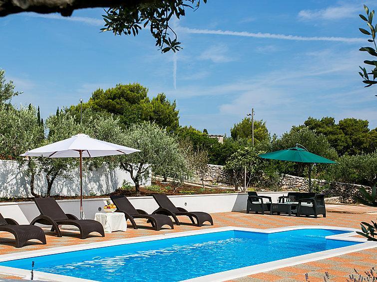 6 bedroom Villa in Brac Milna, Central Dalmatia Islands, Croatia : ref 2236222 - Image 1 - Milna - rentals