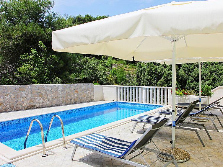 5 bedroom Villa in Brac Splitska, Central Dalmatia Islands, Croatia : ref 2236291 - Image 1 - Splitska - rentals