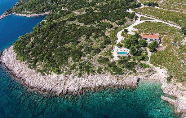 5 bedroom Villa in Peljesac-Dingac, Peljesac Peninsula, Croatia : ref 2238388 - Image 1 - Potomje - rentals