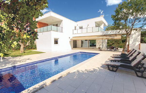4 bedroom Villa in Pula-Stinjan, Pula, Croatia : ref 2238440 - Image 1 - Stinjan - rentals