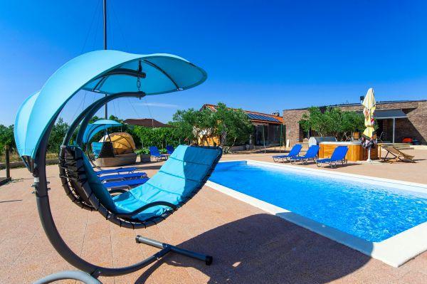 5 bedroom Villa in Vodice-Ivinj, Vodice, Croatia : ref 2238516 - Image 1 - Tribunj - rentals