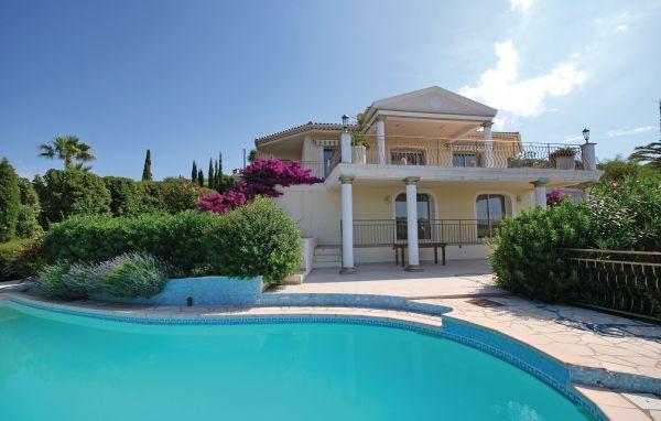 5 bedroom Villa in Les Issambres, Var, France : ref 2239165 - Image 1 - Les Issambres - rentals