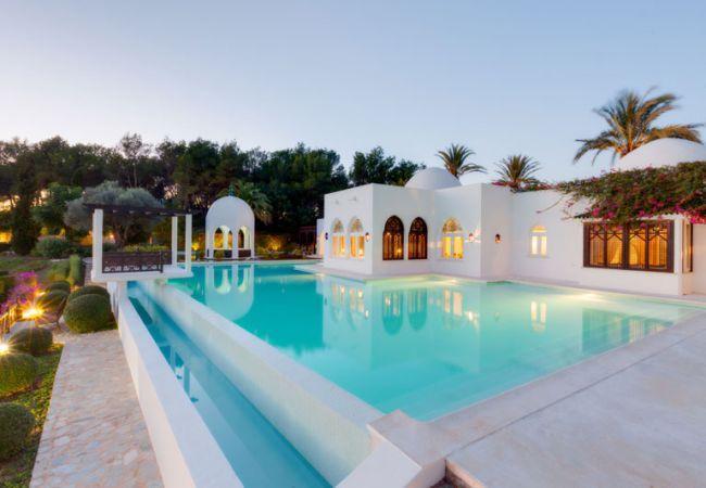 6 bedroom Villa in Rosas, Ibiza : ref 2239973 - Image 1 - San Lorenzo - rentals