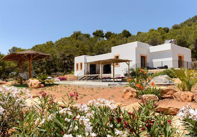 3 bedroom Villa in Santa Eulalia Del Rio, Sant Carles De Peralta, Ibiza : ref - Image 1 - San Lorenzo - rentals