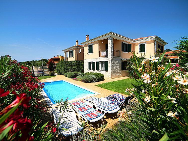 4 bedroom Villa in Novigrad (Istra), Istria, Croatia : ref 2242867 - Image 1 - Novigrad - rentals