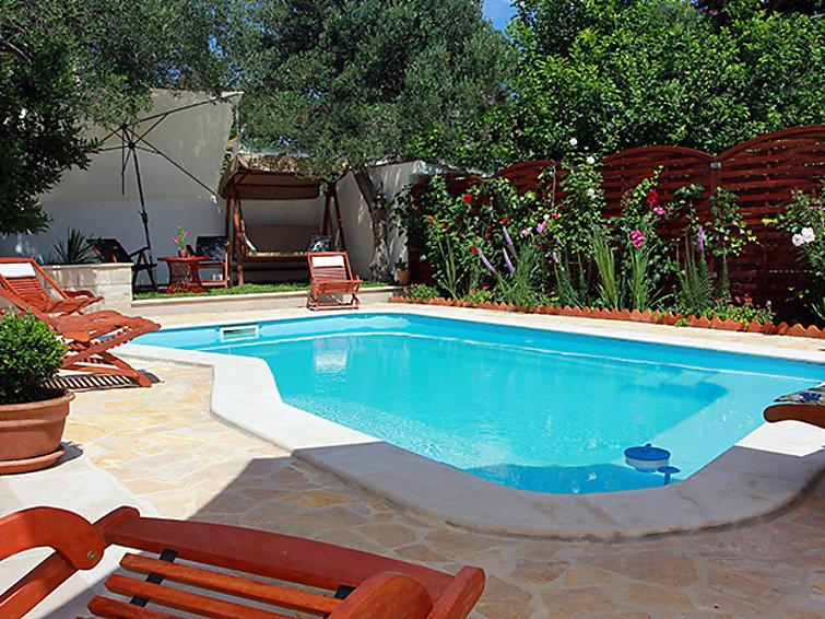 5 bedroom Villa in Brac Supetar, Central Dalmatia Islands, Croatia : ref 2242968 - Image 1 - Sumpetar - rentals