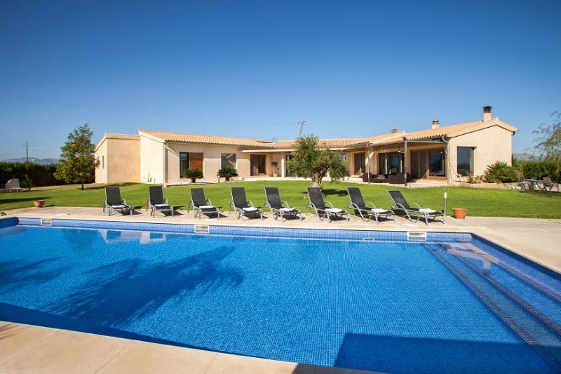 4 bedroom Villa in Sa Pobla, Mallorca, Mallorca : ref 2244331 - Image 1 - Sa Pobla - rentals