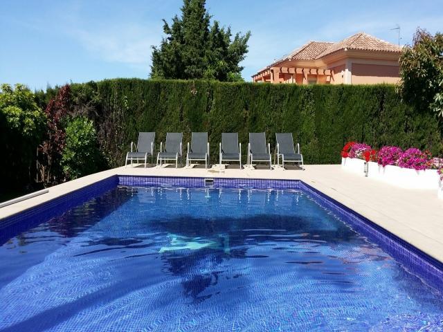 4 bedroom Villa in Atalaya, Estepona, Spain : ref 2245760 - Image 1 - Costa del Sol - rentals
