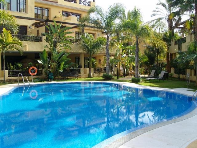 3 bedroom Villa in Bahia De Banus, Puerto Banus, Spain : ref 2245762 - Image 1 - Puerto José Banús - rentals
