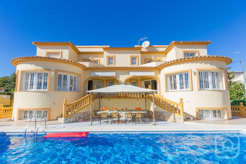 8 bedroom Villa in Calpe, Costa Blanca, Spain : ref 2246581 - Image 1 - Calpe - rentals