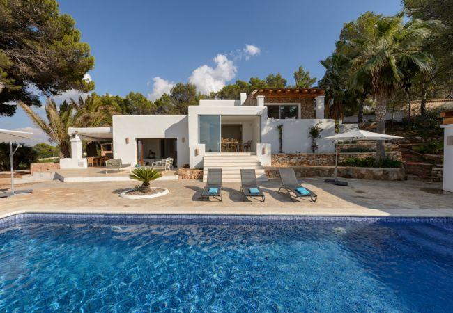5 bedroom Villa in Cala Conta, Baleares, Ibiza : ref 2247475 - Image 1 - Cala Tarida - rentals