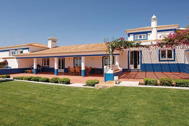 8 bedroom Villa in Boliqueime, Algarve, Portugal : ref 2249187 - Image 1 - Cerca Velha - rentals