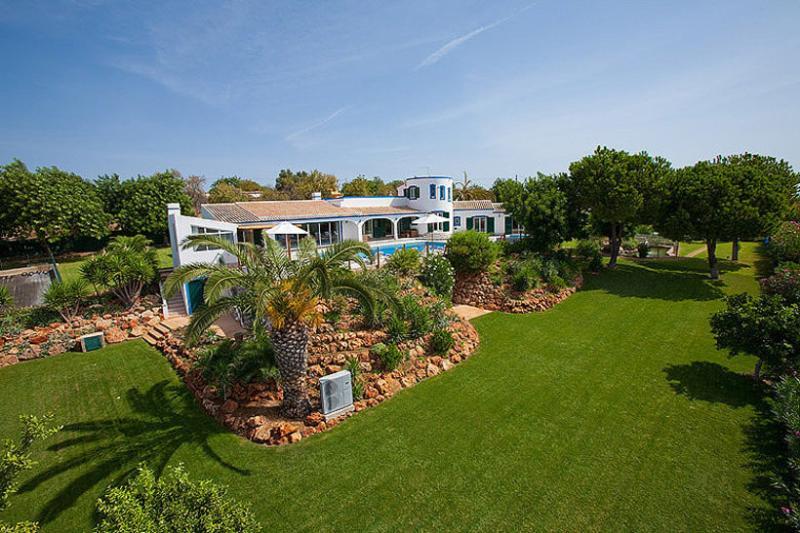 5 bedroom Villa in Boliqueime, Algarve, Portugal : ref 2249189 - Image 1 - Boliqueime - rentals