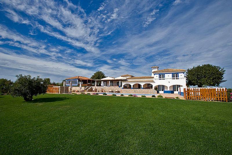 7 bedroom Villa in Boliqueime, Algarve, Portugal : ref 2249184 - Image 1 - Cerca Velha - rentals