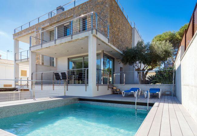 3 bedroom Villa in Playa De Muro, Mallorca, Mallorca : ref 2252178 - Image 1 - Playa de Muro - rentals