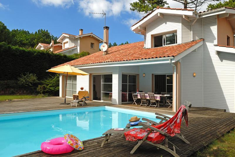3 bedroom Villa in Moliets, Aquitaine, France : ref 2255464 - Image 1 - Moliets - rentals