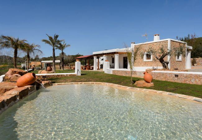 2 bedroom Villa in Santa Eulalia Del Río, Sant Carles De Peralta, Ibiza : ref 2259635 - Image 1 - Es Codolar - rentals