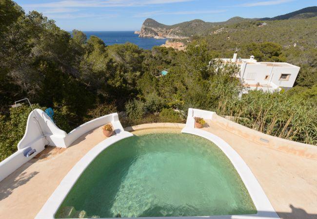 3 bedroom Villa in Sant Antoni de Portmany, Cala Salada, Ibiza : ref 2259642 - Image 1 - Cala Gracio - rentals
