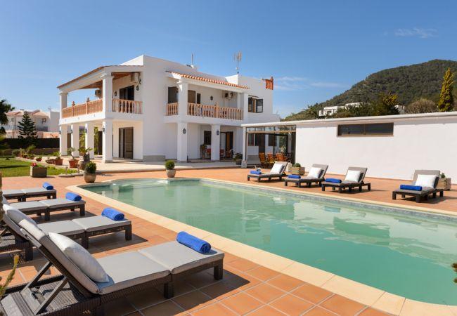 4 bedroom Villa in Ibiza Ciudad, Sa Carroca, Ibiza : ref 2259643 - Image 1 - Sant Miquel De Balansat - rentals