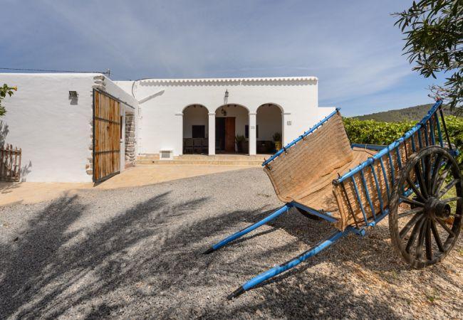 6 bedroom Villa in Sant Antoni de Portmany, Sant Rafel de la Creu, Ibiza : ref 2259649 - Image 1 - San Rafael - rentals