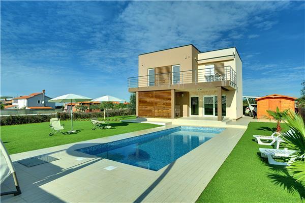 3 bedroom Villa in Galižana, Istria, Croatia : ref 2262893 - Image 1 - Valbandon - rentals
