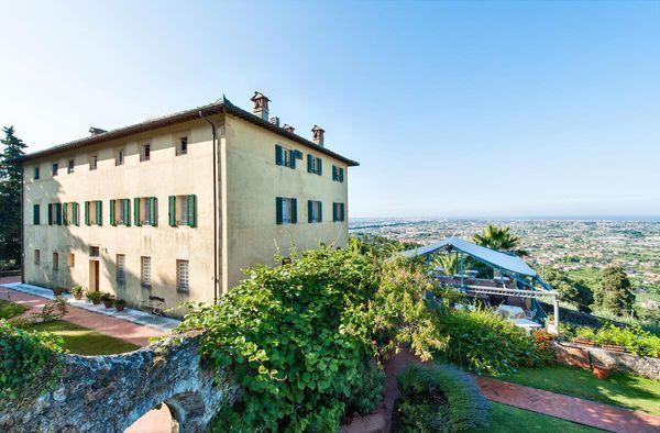 9 bedroom Apartment in Camaiore, Tuscany, Italy : ref 2266092 - Image 1 - Monteggiori - rentals