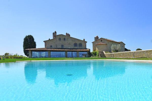 4 bedroom Apartment in Arezzo, Tuscany, Italy : ref 2266223 - Image 1 - Pieve al Bagnoro - rentals