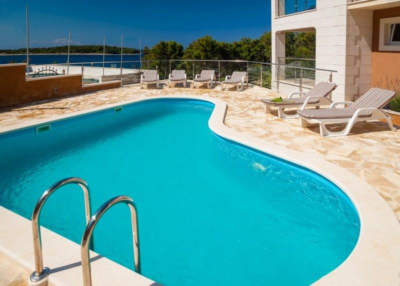 Apartment for rent in villa with pool, Vela Luka - Image 1 - Vela Luka - rentals