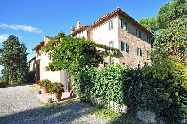 10 bedroom Villa in Palaia, Tuscany, Italy : ref 2268124 - Image 1 - Palaia - rentals