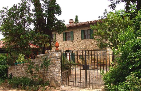 5 bedroom Apartment in San Casciano In Val Di Pesa, Tuscany, Italy : ref 2268600 - Image 1 - Cerbaia - rentals