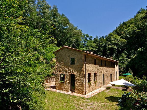 6 bedroom Villa in Spicchio-Sovigliana, Tuscany, Italy : ref 2268927 - Image 1 - Vitolini - rentals