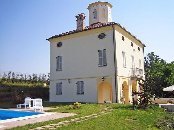 3 bedroom Villa in Buretto, Piedmont, Italy : ref 2268970 - Image 1 - Bene Vagienna - rentals