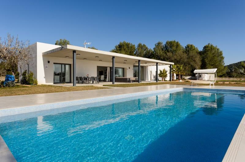 4 bedroom Villa in Santa Eulalia Del Río, Sta. Gertrudis De Fruitera, Ibiza : ref 2271987 - Image 1 - Santa Gertrudis - rentals